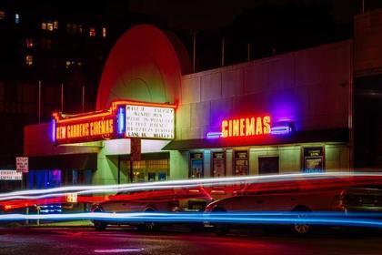 光る映画館