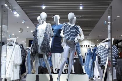 ファッション店のマネキン