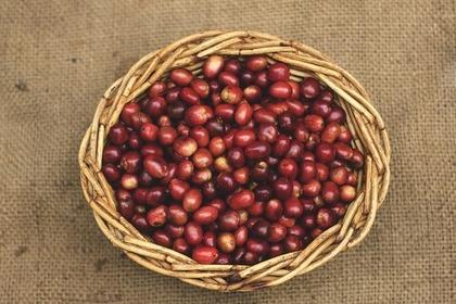 かごの中の小豆