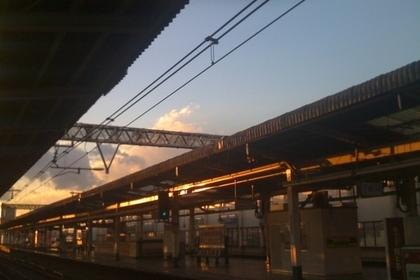 阿佐ヶ谷駅のホームからみた夕日