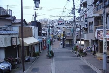 谷中銀座商店街入り口
