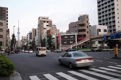 入谷駅前交差点