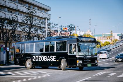 幕張周辺を走るZOZOBASEバス