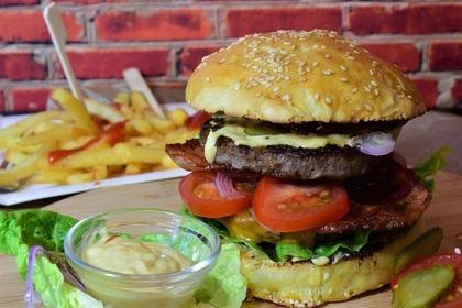 Middle burger 55e9d34143 1280