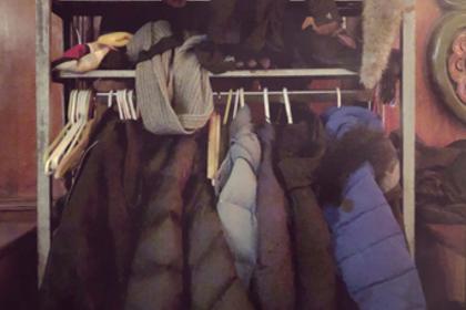 詰め込まれた衣類