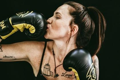 ボクサーの女性