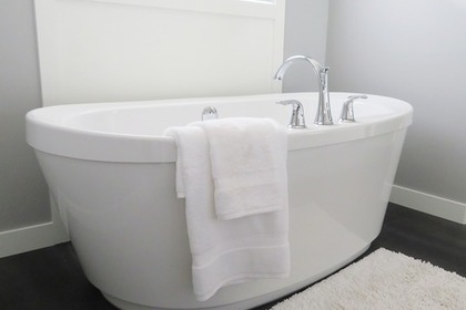 Middle bathtub 54e4dd4643 1280