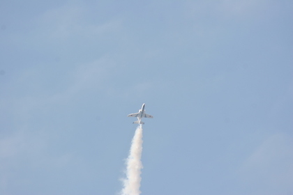 進む飛行機