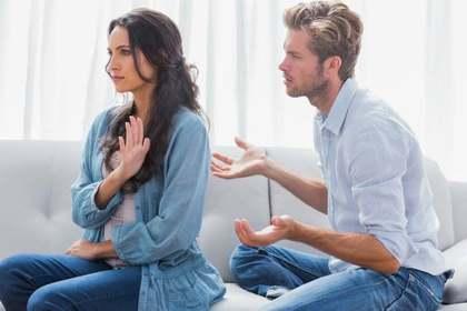 会話を拒絶する女性