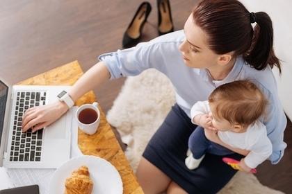 女性と赤ちゃん