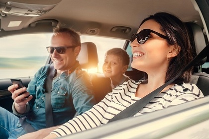 家族で爽やかドライブを慣行する