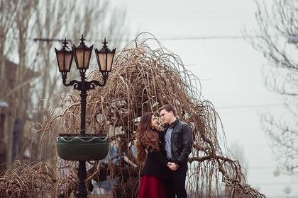 寒空の下のカップル