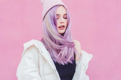 ピンク髪の人