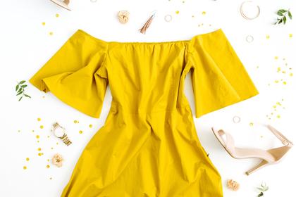 黄色のワンピース
