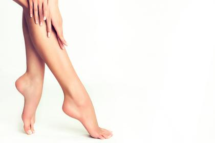 すらりとした女性の足