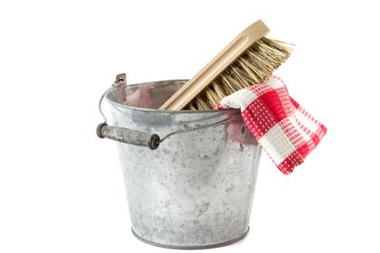 ツバメの巣を掃除する道具