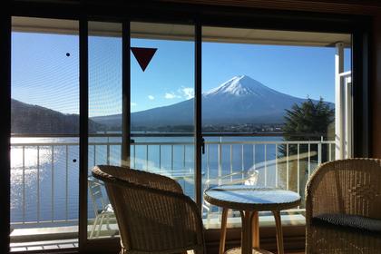 椅子と富士山