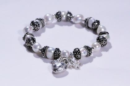 Middle jewelry 54e1d4444e 1280