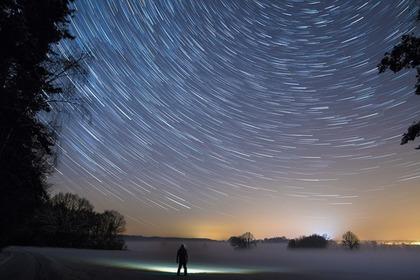 Middle star trails 54e2d64749 1280