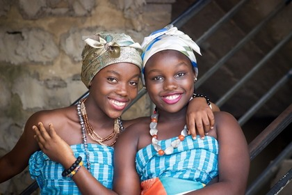 双子コーデの女性たち