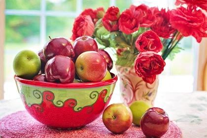 Middle apples 54e9d5454e 1280