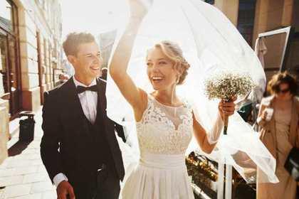 結婚した2人