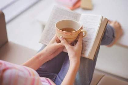 休日は家で読書