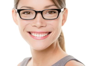 黒眼鏡の女性