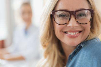 【職場】女性から食事に誘う心理|フォロー
